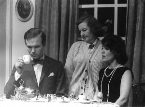 Vinnie Jenner (centre), w ho unwittingly ruined Fred's eagerly anticpated home brew! (See the explanation in the Memories section of this show's thread.)
