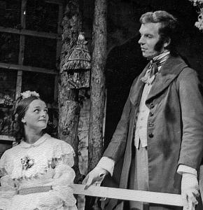 Jenny Tustain played Maud - a sister to Anne Marie, and Jim Harper played Esmond, a suitor.